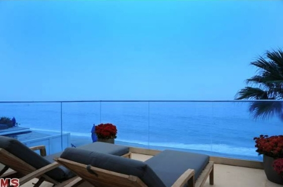 Jim Carrey Home for Sale in Malibu, CA - Celebrity House Pictures