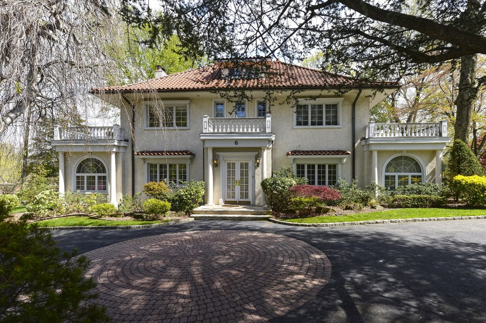 great gatsby property listed celebrity house pictures