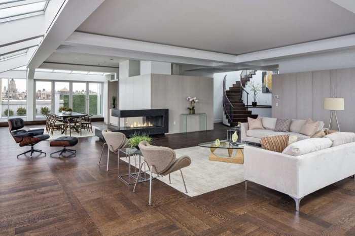 Amy Schumer Picks Up Glassy Penthouse On Nyc S Upper West